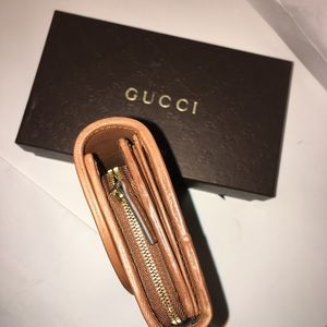Gucci Bags - NEW GUCCI Interlocking Smooth Leather Wallet Brown